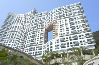 The Repulse Bay, an ever stylish hotel you can see on the way to Stanley Bay.