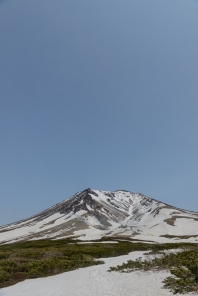 A blue sky day on Asahidake, a volcano, a volcano in Daisetsuzan National Park.